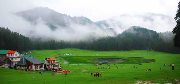 Himachal Pradesh Eases Tourist Restrictions; Issues E-Passes for Staying